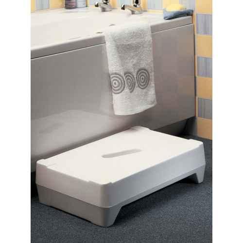 bath steps. Black Bedroom Furniture Sets. Home Design Ideas